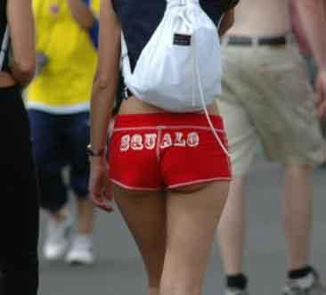 Thời trang quần short siêu ngắn