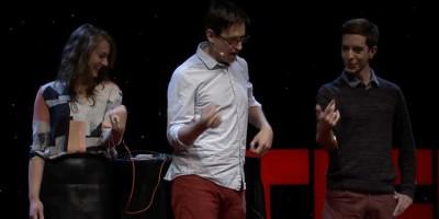 Làm thế nào điều khiển tay người khác bằng não của bạn