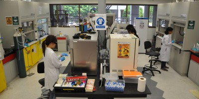 chemistry labs - NUS