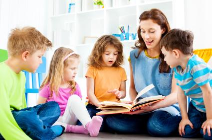 tác phẩm văn học sẽ giúp bé phát triển trí tuệ