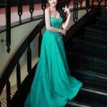 Hoa hậu Ngọc Hân khoe vai trần, ngực đầy
