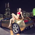 Đứng hình khi chân dài sexy bên Lamborghini mạ vàng
