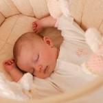 Ngủ và tầm quan trọng của giấc ngủ đối với các bé