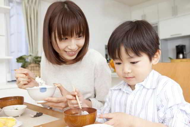 Mẹ Nhật chia sẻ cách khen, cách mắng và phạt con