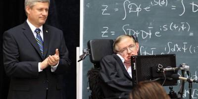 Thủ tướng Canada Stephen Harper-Stephen Hawking: Chúa không tạo nên vũ trụ.