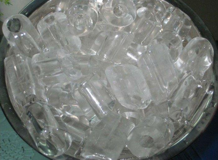 nước đá bẩn nhiễm khuẩn.