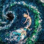 """Độc đáo bộ ảnh nàng tiên cá """"mắc kẹt"""" giữa hơn 10.000 chai nhựa"""