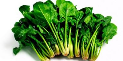 Rau chân vịt giàu chất sắt, nhiều khoáng chất và các loại vitamin khác.