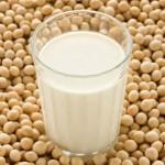 6 lý do bạn nên uống sữa đậu nành