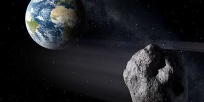 Thiên thạch lớn đang hướng về trái đất.