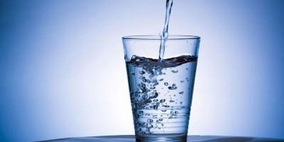uống nhiều nước phòng ngừa viêm xoang.