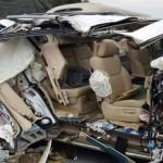 Tai nạn giao thông – Xe Lexus vỡ nát