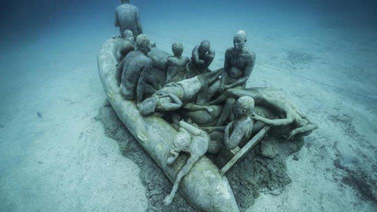 xác chết dưới đáy biển.